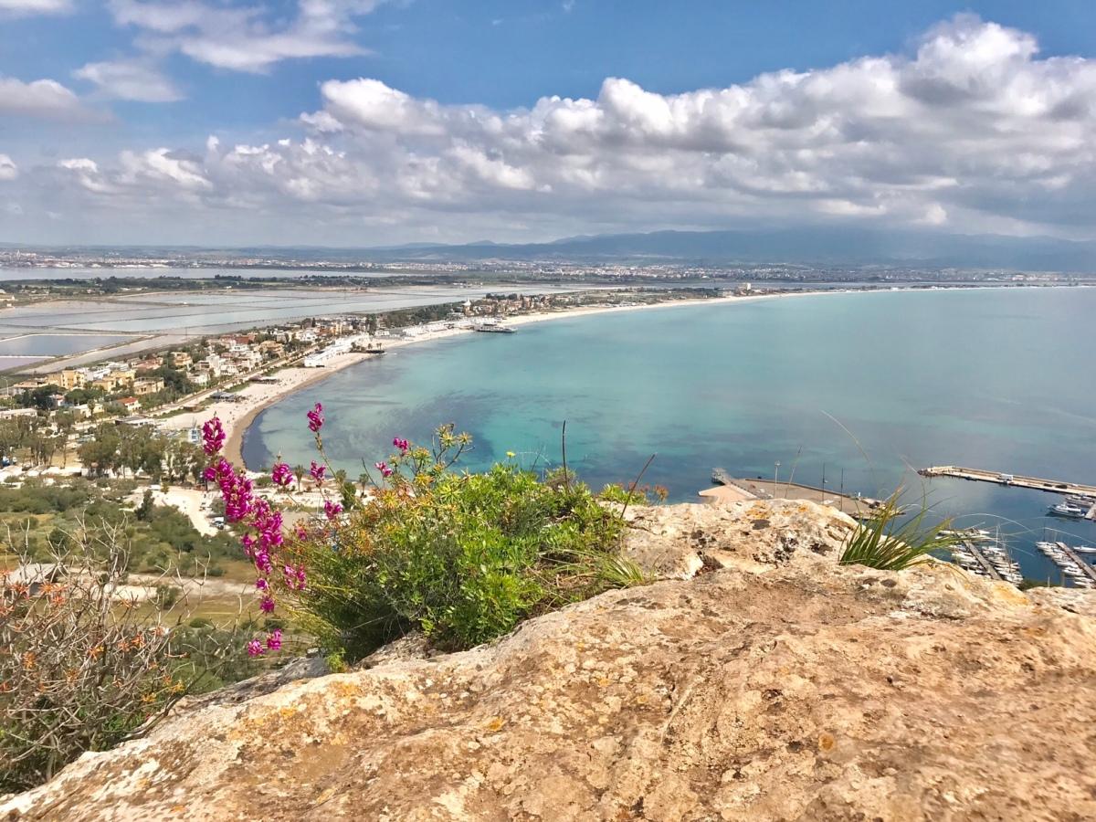 B&B ar baseinu 100 m no jūras pie Cagliari